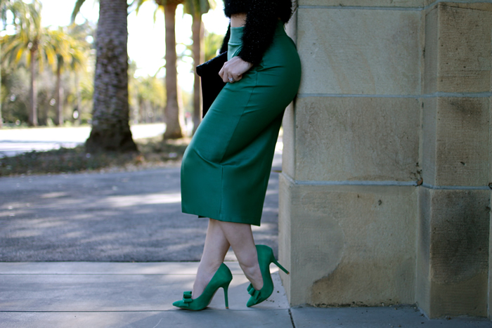 c04a1bbb175227 The Girl In The Green Pencil Skirt